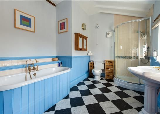 Bathroom of Bredons Norton, Tewkesbury, Worcestershire GL20