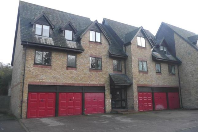 Thumbnail Flat to rent in Commonside Close, Belmont, Sutton