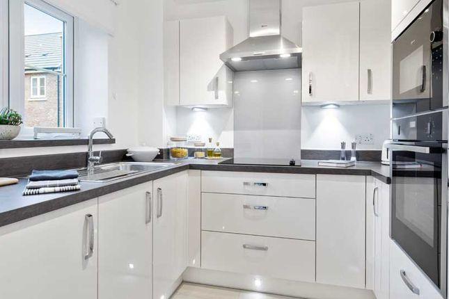 Flat for sale in Addington Road, Selsdon, South Croydon