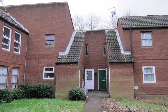 Thumbnail Flat to rent in Lupin Close, West Drayton, Middlesex