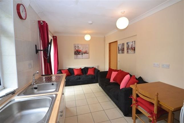 2 bed property to rent in Rutland Close, Canterbury