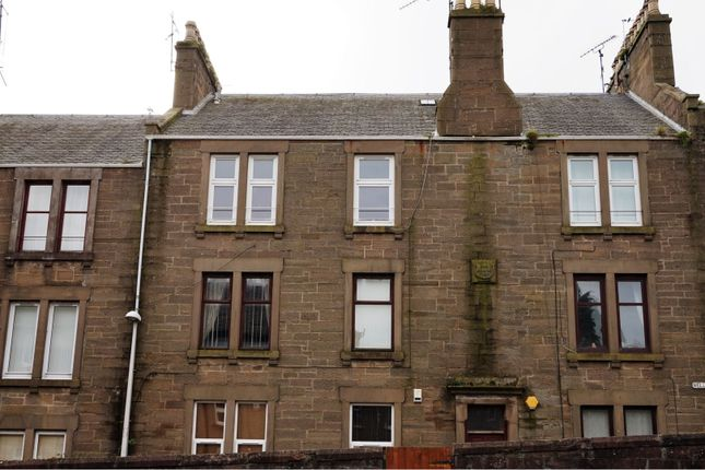 Thumbnail 2 bed flat for sale in Wellbank Place, Dundee