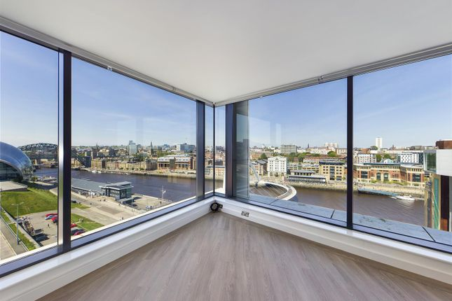 Thumbnail Flat for sale in Penthouse- Baltic Quay, Mill Road, Gateshead