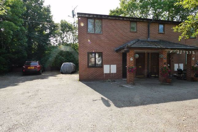 2 bed flat to rent in Brook Road, Deeside, Flintshire CH5