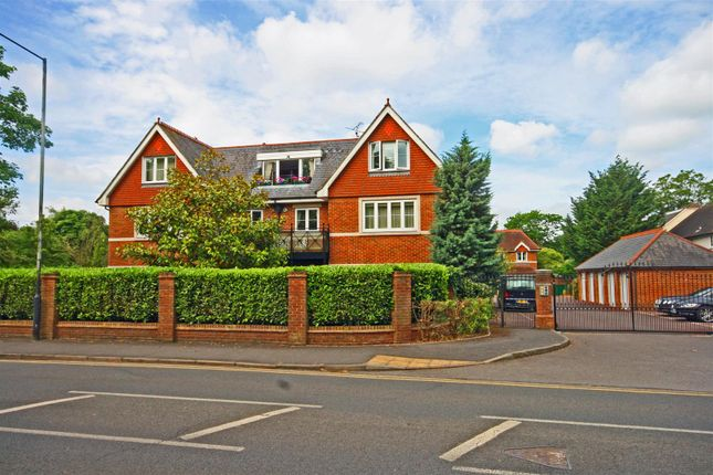 Thumbnail Flat to rent in Horsham Reach, Lower Cookham Road, Maidenhead