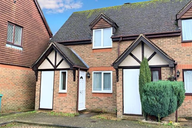 Thumbnail Terraced house to rent in Byron Close, Horsham