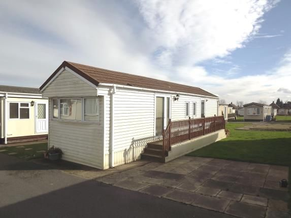 2 bed mobile/park home for sale in Third Avenue, Shaws Trailer Park, Knaresborough Road, Harrogate