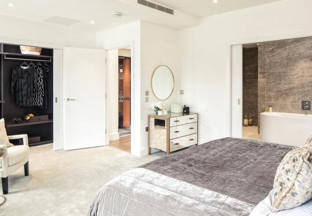 Thumbnail Terraced house for sale in The Holland, Fulham Riverside, Fulham