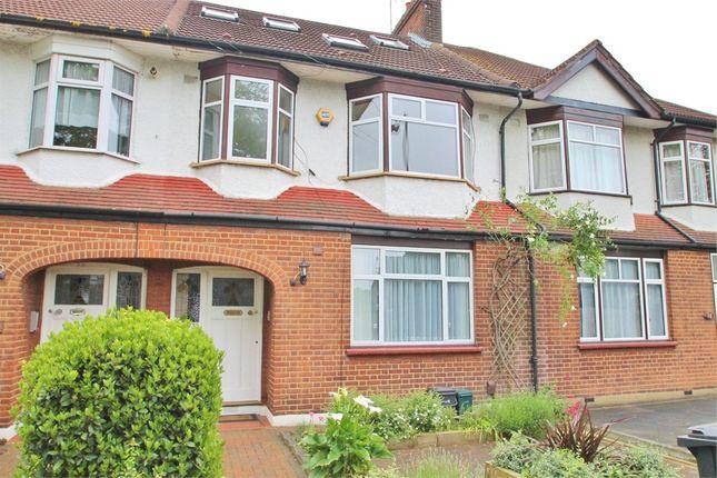 Thumbnail Flat to rent in Firs Lane, London