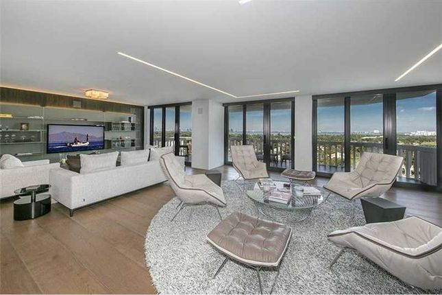 2 bed town house for sale in 5500 Collins Ave 1103, Miami Beach, Fl, 33140