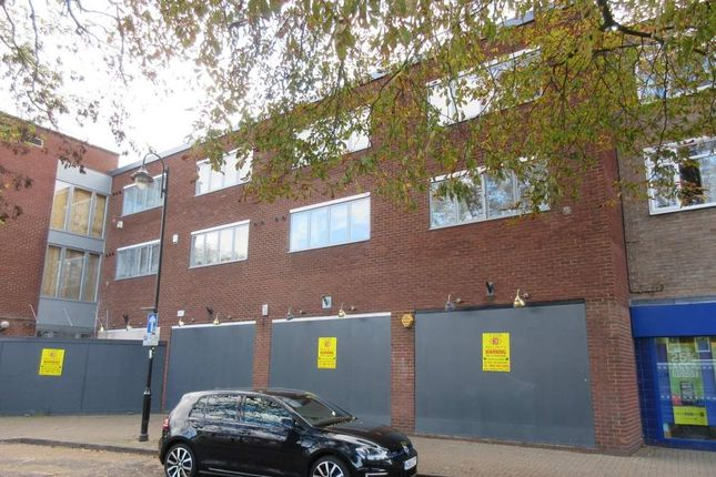 Thumbnail Retail premises to let in Shepperton House, 2-4 Green Lane, Shepperton, Middlesex
