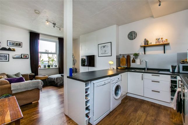Thumbnail Flat to rent in Trinity Crescent, Tooting Bec, London