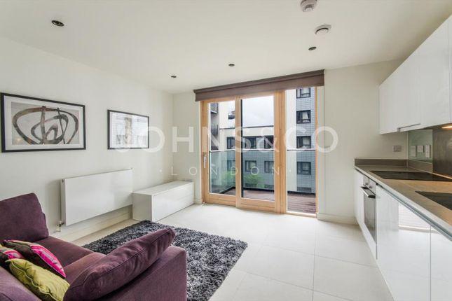 Thumbnail Studio to rent in Cobblestone Square, London