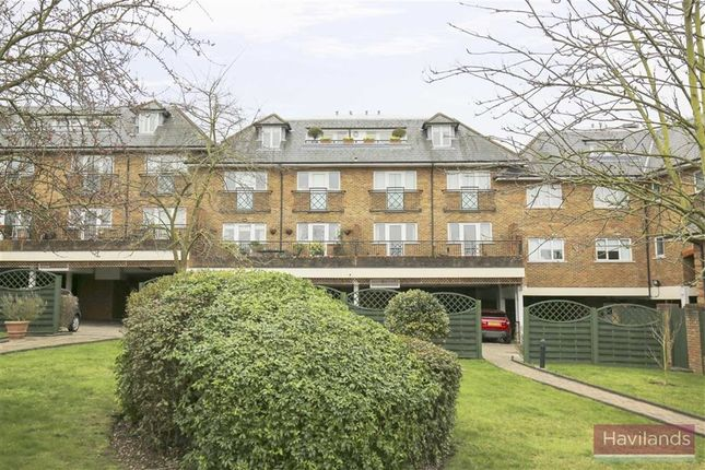 Thumbnail Flat for sale in 104 Green Dragon Lane, Winchmore Hill, London