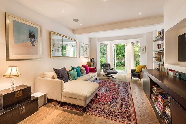Thumbnail Flat for sale in Oxford Gardens, North Kensington
