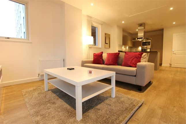 Thumbnail Flat to rent in Platinum Riverside, North Greenwich, London