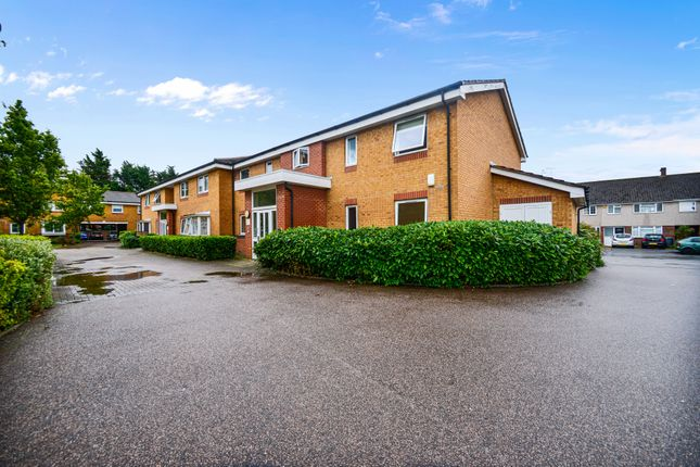 Thumbnail Flat for sale in Warwick Close, Hornchurch, Essex
