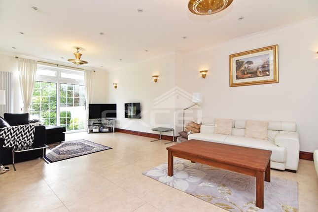 Thumbnail Flat to rent in Hervey Close, Finchley, London