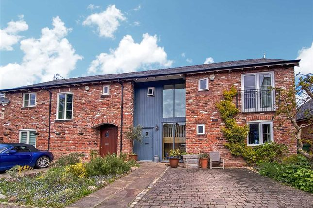 3 bed mews house to rent in Church End Mews, Hale Village, Liverpool L24