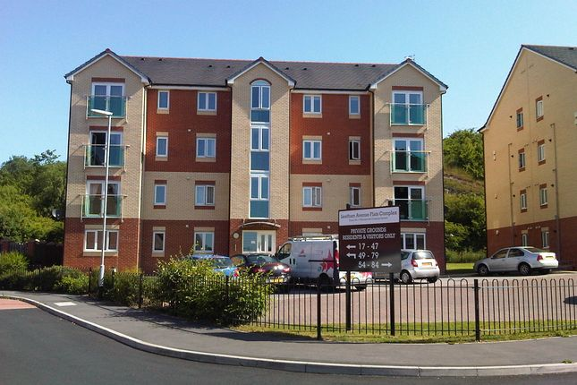 2 bed flat to rent in Leatham Avenue, Kimberworth, Rotherham