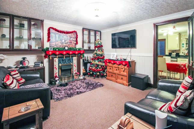Thumbnail Property to rent in Churchside, Winterton, Scunthorpe