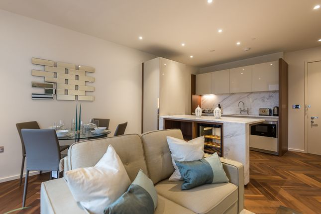 1 bed flat to rent in New Union Square, Nine Elms Lane