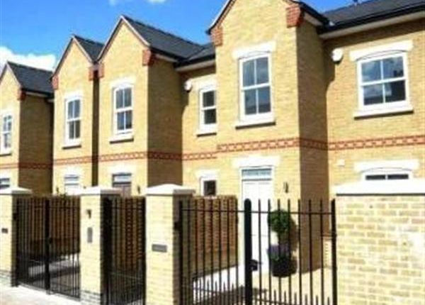 Thumbnail Property to rent in Brackley Terrace, London