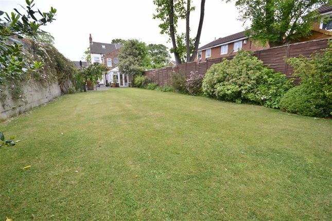 Property for sale in Southcoates Lane, Hull