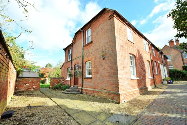 Thumbnail Semi-detached house to rent in Popes Manor Cottage, Murrell Hill Lane, Binfield, Berkshire