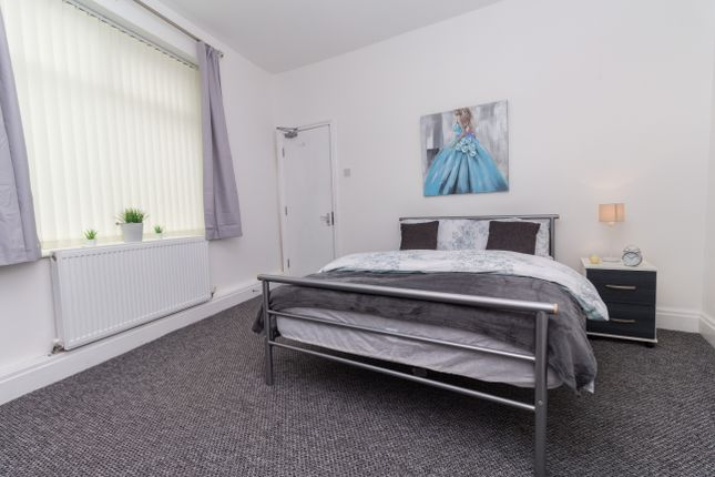 Thumbnail Room to rent in Mossfield Road, Swinton, Manchester