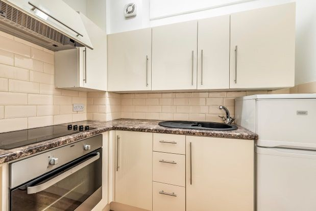 Thumbnail Flat to rent in Red Lodge Road, West Wickham