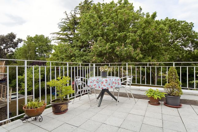Thumbnail Flat to rent in Savernake Road, Hampstead