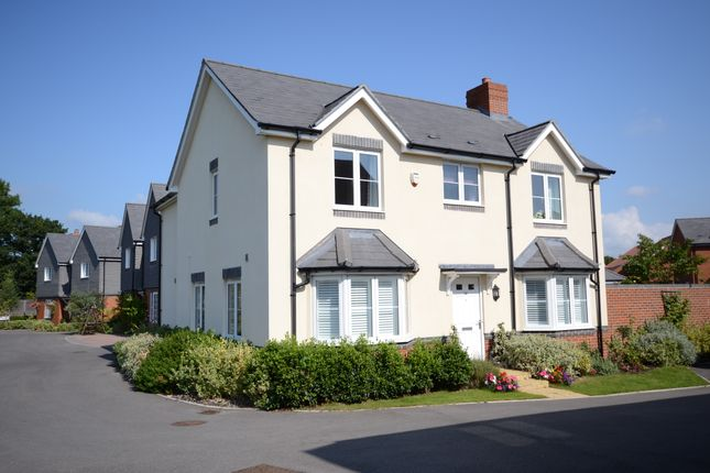 Thumbnail Detached house for sale in Elk Path, Three Mile Cross, Reading