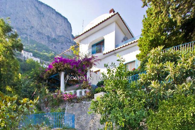Thumbnail Villa for sale in Amalfi, Campania, Italy