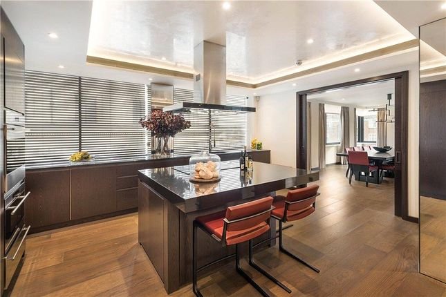 Thumbnail Flat for sale in Curzon Street, Mayfair, London