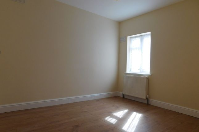 Thumbnail Flat to rent in Greenford Avenue, Hanwell, London