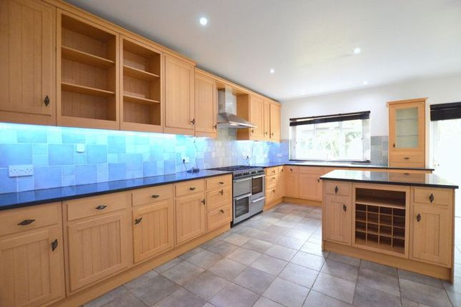 Thumbnail Bungalow to rent in Sylvia Avenue, Hatch End, Pinner