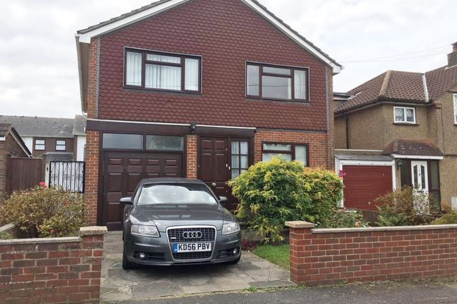 Thumbnail Detached house to rent in Peel Road, Farnborough