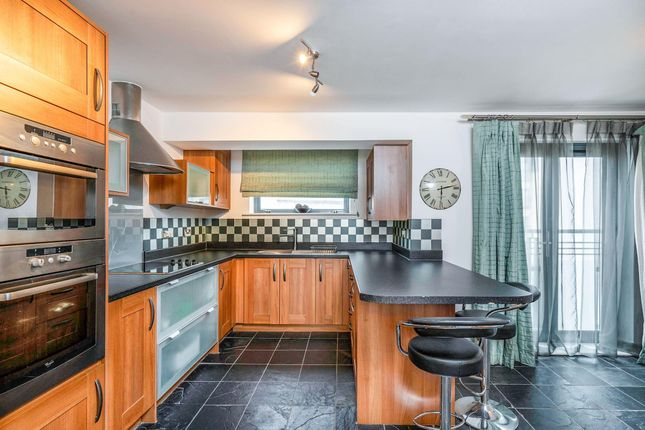 5 bed town house to rent in St. Christophers Court, Maritime Quarter, Swansea SA1