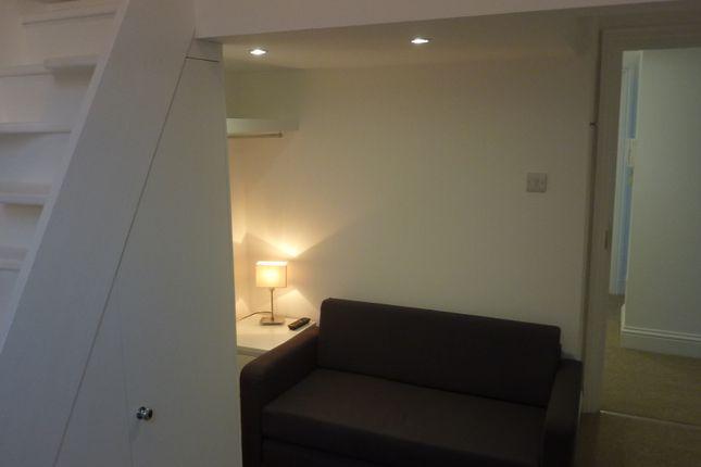 Thumbnail Room to rent in Kensington Gardens Square, Bayswater
