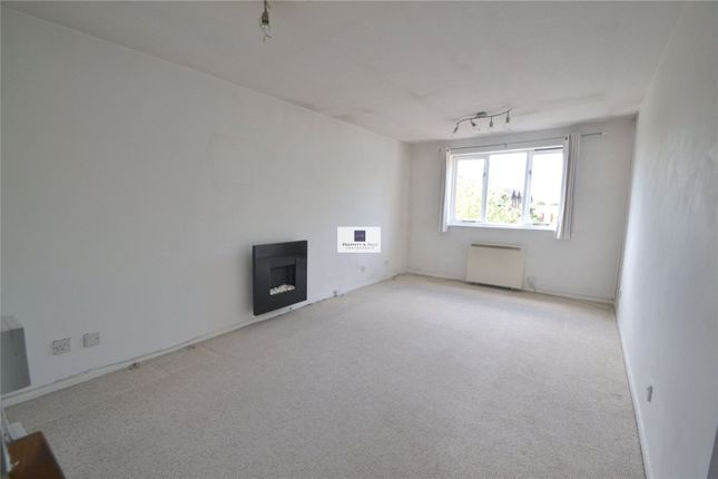 Lounge of Courtlands Close, Watford WD24