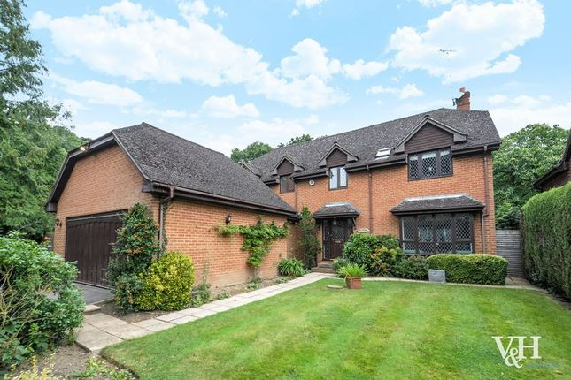 4 bed detached house for sale in Leatherhead Road, Oxshott, Leatherhead