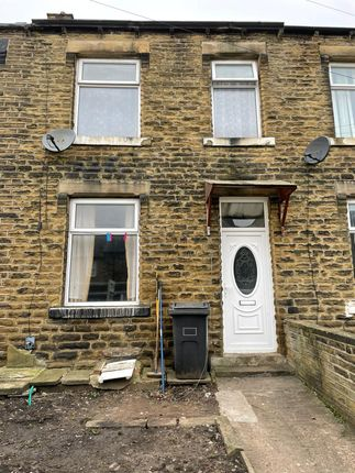 2 bed terraced house to rent in Yews Hill Road, Huddersfield HD1