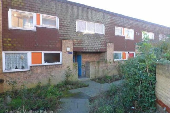 Thumbnail Flat for sale in Moorfield, Harlow, Essex