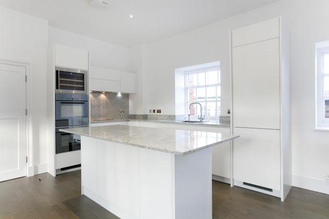 Thumbnail Flat to rent in 13 Roehampton House, Vitali Close, London