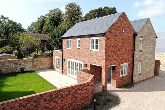 4 bed detached house for sale in Vicarage Road, Stony Stratford, Milton Keynes MK11