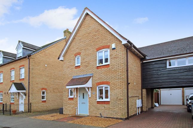 3 bed link-detached house for sale in Stoneleigh Court, Milton Keynes MK4