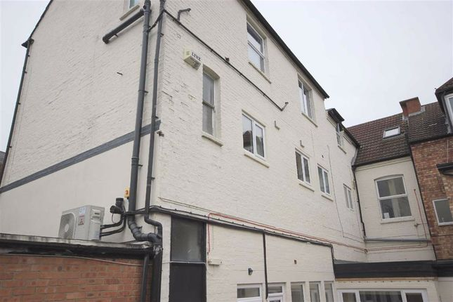 1 bed flat for sale in Tithe Barn Road, Wellingborough, Northamptonshire NN8