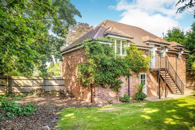 Thumbnail Property for sale in Warwick Road, Solihull