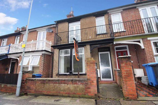 3 bed terraced house for sale in Kings Avenue, Ipswich
